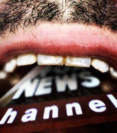 """14 Propaganda Techniques Fox """"News"""" Uses to Brainwash Americans"""