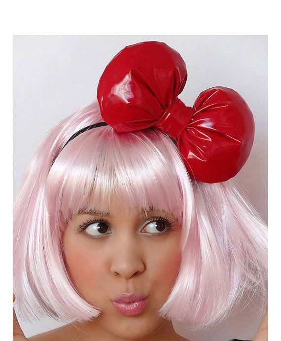 Omg it looks l like 2 cherries on the pink hair soooo super cute