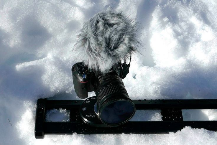 #SmartSLIDER Reflex S 560, #Nikon #D5300 and #Rode #Stereo #VideoMic #Pro... Sliding on the snow. This #slider for #cameras and #dslr has been engineered to work also in the worst conditions. Learn more abot the SmartSLIDER Reflex S patent pending fluid drag at: http://bit.ly/1Mk95sS.