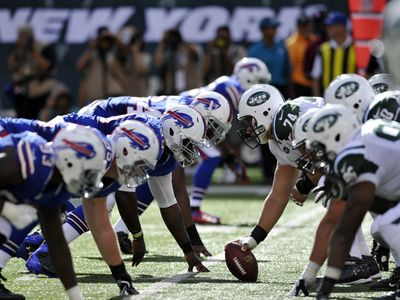 New York Jets - Sept 9, 2012: Bills Defensive Line