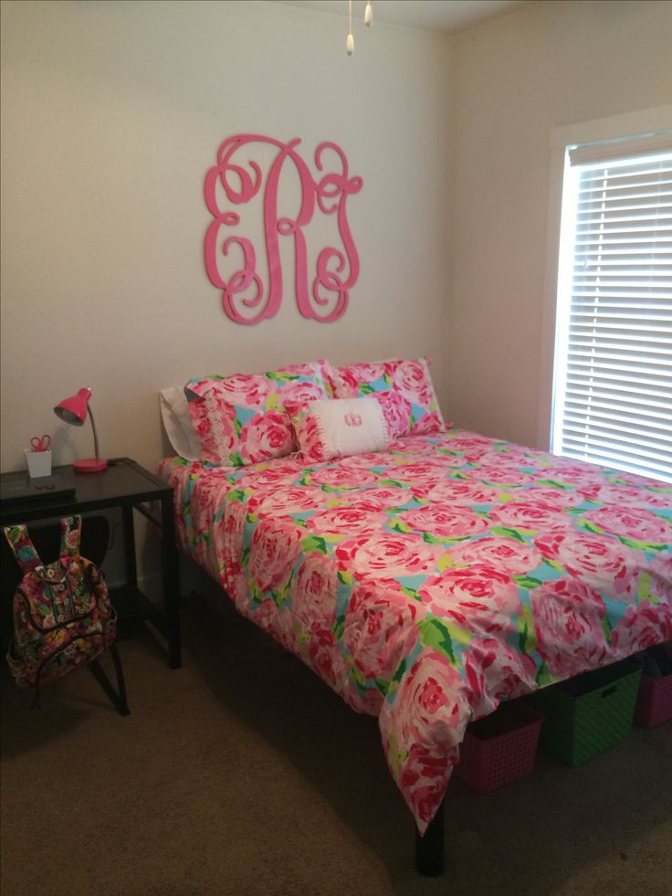 lilly pulitzer bedroom 25 best images about bedrooms on monogram 12128