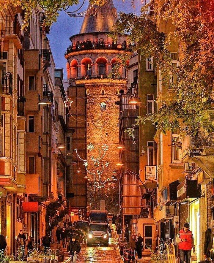 Galata Istanbul Turkey Anadolunungozu Gunesin Dogusu Bir Baska Batisi Bir Baska Gecesi Ayri Keder Gunduzu Ayri Bir Yer Sevgi Istanbul Fotograf Turkiye