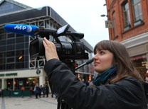 Julie Jammot co-auteur de La république des réseaux - Journaliste reporter d'images, Julie travaille à l'AFP à Londres depuis 2010.