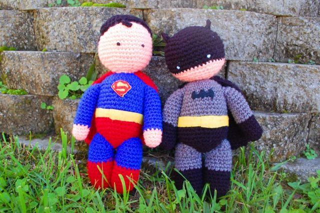 Knitting Pattern Superman Doll : Meer dan 1000 idee?n over Gehaakte Batman op Pinterest - Haken, Haakpatronen ...