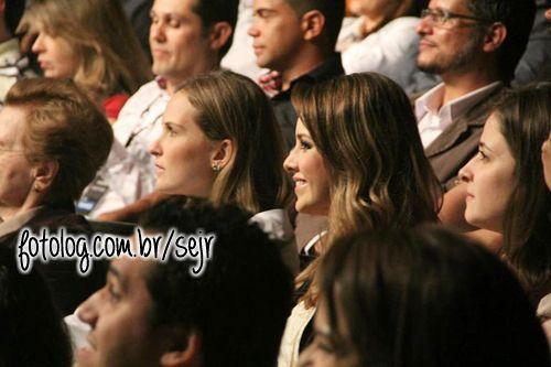 #2563 : Sandy e Fernanda Rodrigues no show da Família Lima ontem, no RJ. Cada dia mais linda! [b]___________________________ Cau* Sigam-me: @caumt - @slejl Visitem-me: http://www.slejl.blogspot.com[/b]   sejr
