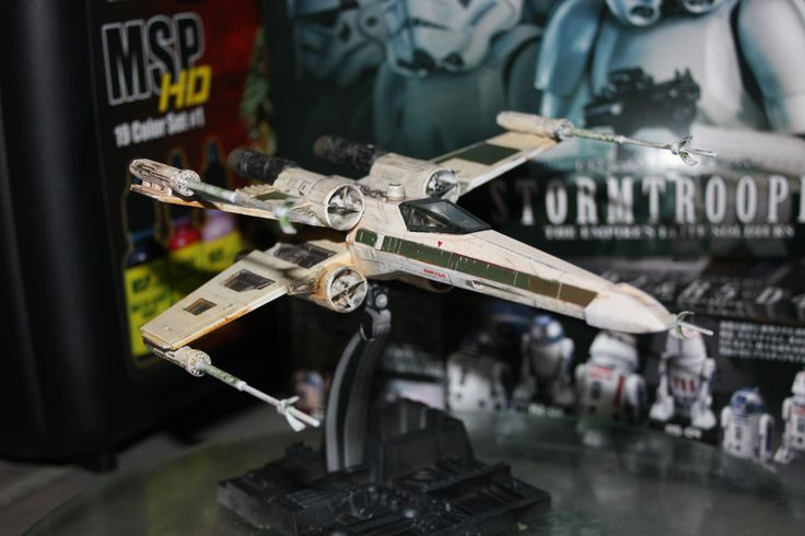 Bandai's 1/72 X-Wing  amazing kit and in issue 06 of the Modelling misfits