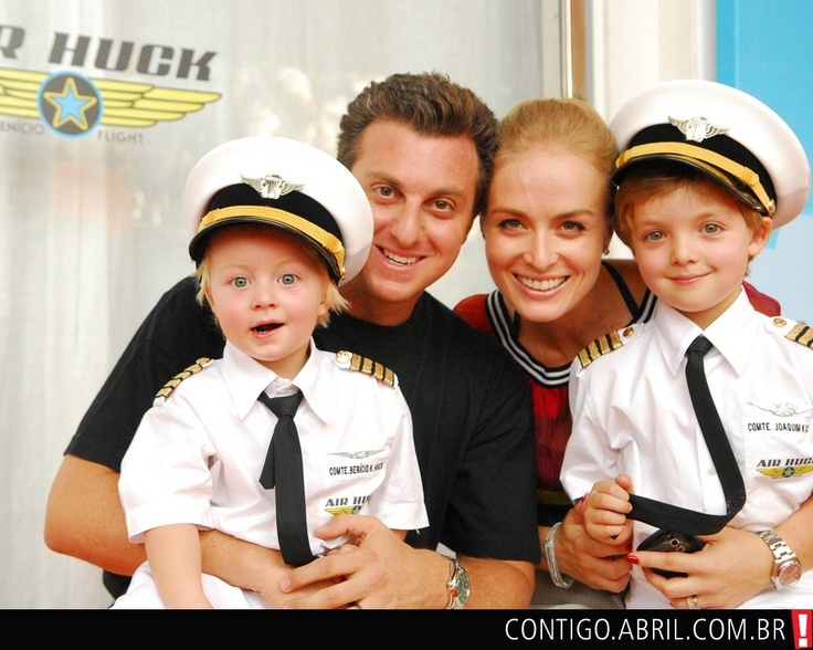Luciano Huck, Angélica e o filho, Joaquim, na festa de aniversário
