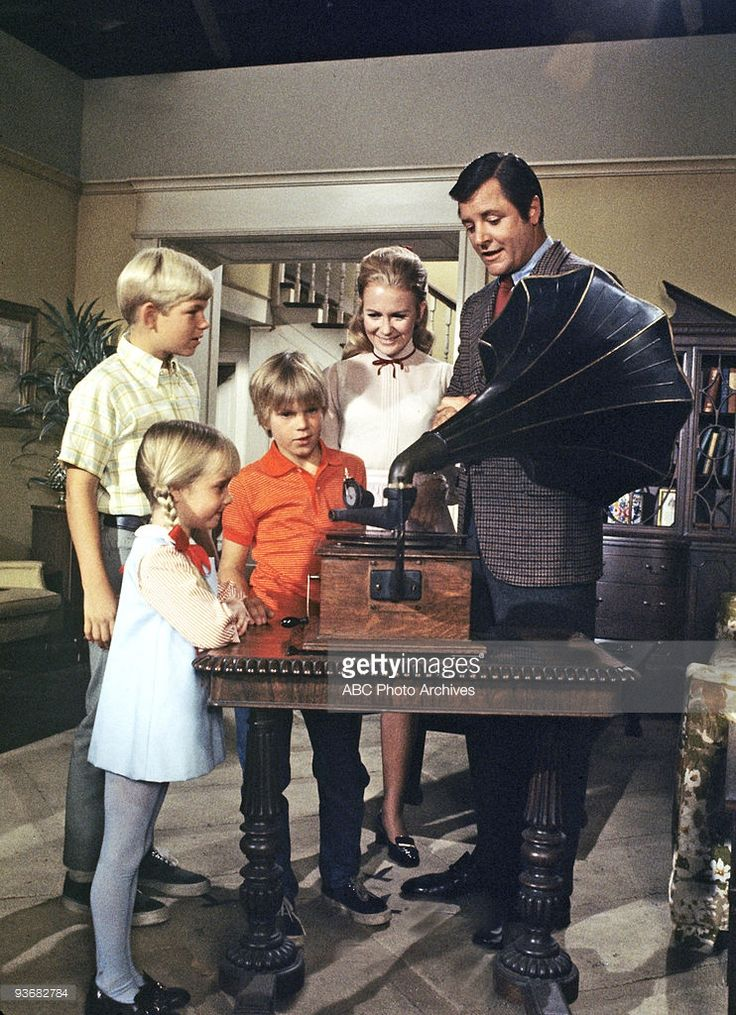 PROFESSOR - 'From Butch, With Love' - Season Two - 12/18/70, Hal (David Doremus), Prudence (<a gi-track='captionPersonalityLinkClicked' href=/galleries/search?phrase=Kim+Richards&family=editorial&specificpeople=689572 ng-click='$event.stopPropagation()'>Kim Richards</a>), Nanny (<a gi-track='captionPersonalityLinkClicked' href=/galleries/search?phrase=Juliet+Mills&family=editorial&specificpeople=233414 ng-click='$event.stopPropagation()'>Juliet Mills</a>) and the Professor (Richard Long)…