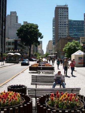 Av. Luis Xavier (a menor avenida do mundo), centro, Curitiba/Paraná