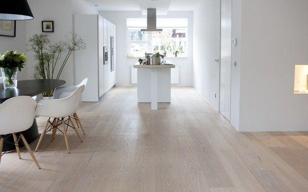Houten vloer in combinatie met moderne keuken interior design pinterest google met and essen - Deco open keuken ...