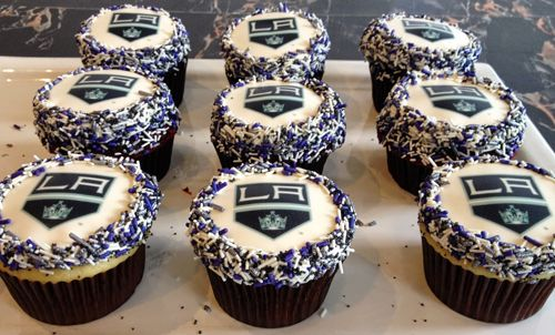 LA Kings Cupcakes. Go Kings Go! #LAKings #StanleyCupFinals #bigsugarbakeshop