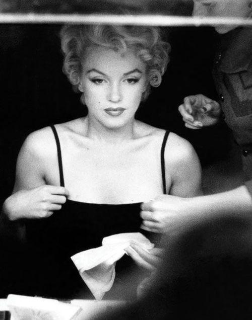 Marilyn Monroe by Sam Shaw, 1954.