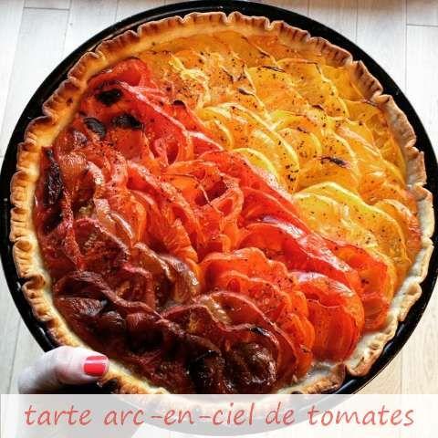 """Recette de la tarte """"arc-en-ciel de tomates"""" sur le blog : http://www.fitnelle.fr/tarte-arc-en-ciel-tomates/ Un grand merci à Sophie de la #TeamFitnelle pour le partage de sa recette !"""