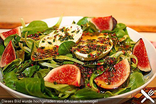 Marinierter Büffelmozzarella auf Feldsalat mit Feigen, ein schönes Rezept aus der Kategorie Eier & Käse. Bewertungen: 5. Durchschnitt: Ø 4,1.