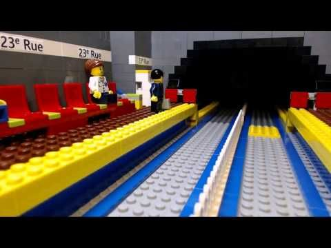 LEGO Monorail Train 6399 Airport Shuttle - long and nice! - YouTube
