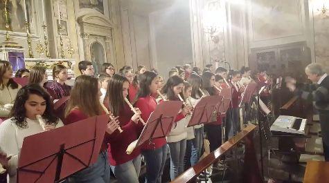 Casagiove, applausi per il Concerto di Natale della Scuola Pascoli nella chiesa di San Michele a cura di Redazione - http://www.vivicasagiove.it/notizie/casagiove-applausi-per-il-concerto-di-natale-della-scuola-pascoli-nella-chiesa-di-san-michele/