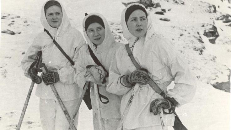De kvinnelige soldatene deltok i kampene på Sørøya, der 6 norske og mellom 30 og 100 soldater ble drept.