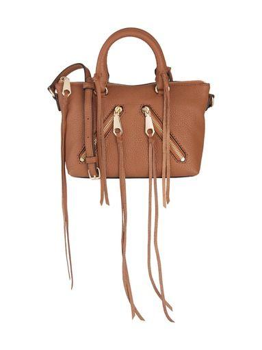 Rebecca Minkoff produkterna finns nu på Stockmann.com! Beställ genast den stilfulla Micro Moto läderväskan!
