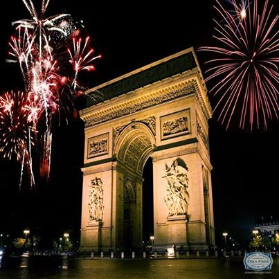 Wishing you Bonne Année! It's a new year in #France, and there's no better place to celebrate it in than the city of love, #Paris!