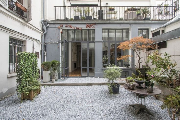 826 best images about outdoor courtyards on pinterest for Homes with enclosed courtyards