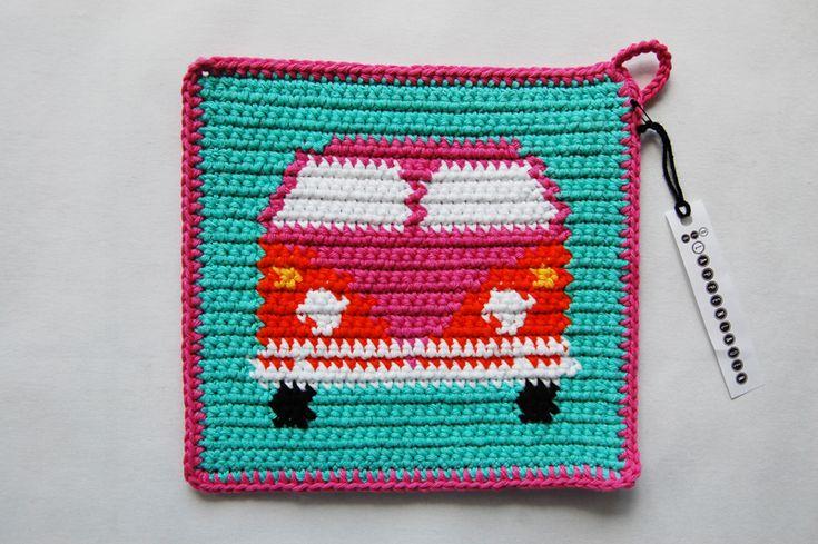 """Topflappen """"Hippie Bus"""" Crochet colorwork potholder with van"""