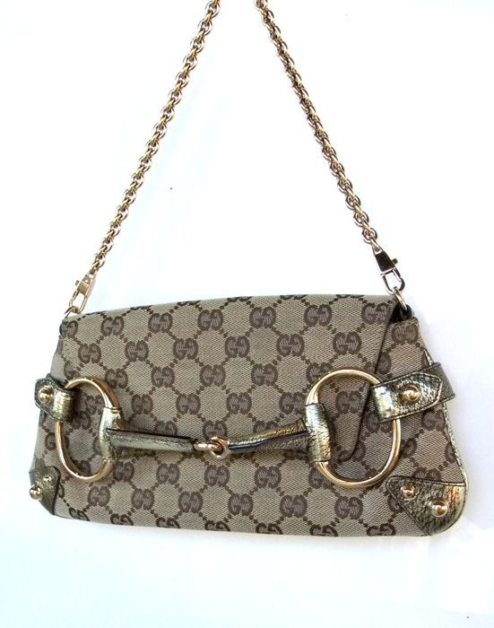 32fa99da7c42 Online veilinghuis Catawiki: Gucci - Guccissima Schoudertas. Find this Pin  and more on Bags ...