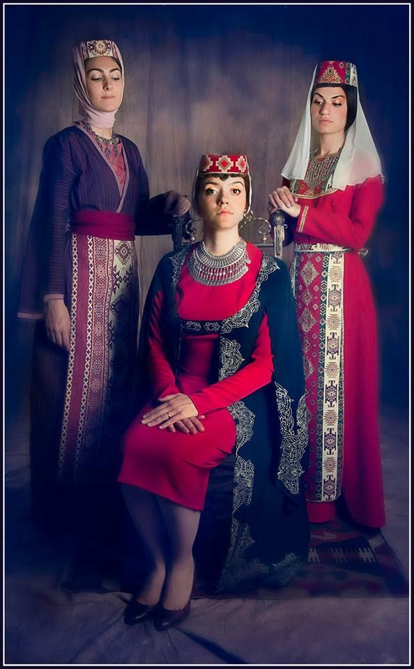 Armenian Traditional Clothing Pinterest'te | Müzeler, Roma ...