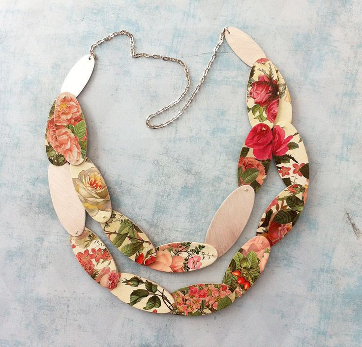 Statement necklace ref. 316-4-3 - Floral jewelry - roses print - paper, wood and aluminum necklace - double face - gift for her - pinned by pin4etsy.com