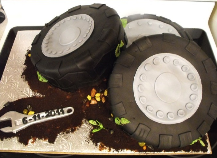 Off Road Wedding Cake: