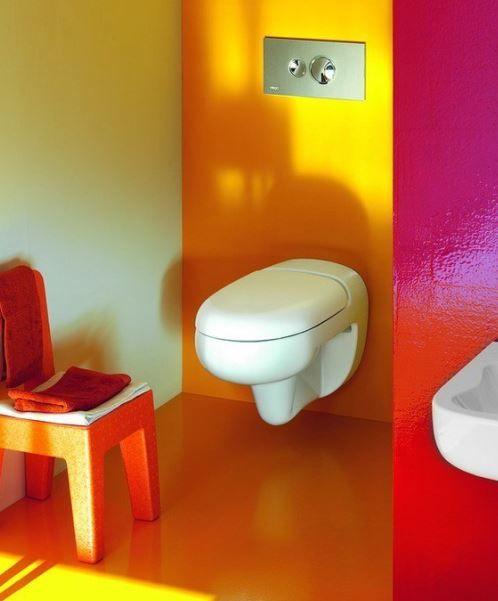 Яркая детская ванная комната