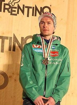 Dekoracja medalowa konkursu indywidualnego mężczyzn na skoczni K-120 podczas MŚ 2013