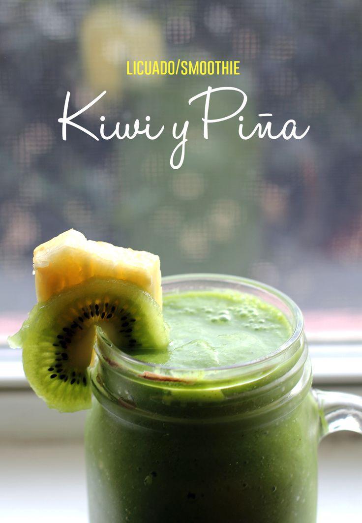 Licuado de piña, kiwi, espinacas, pepino, miel de abeja y semillas hemp ( semillas de cáñamo)