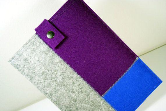 iPad Mini sleeve case with a three-fold color pattern - 100% merino wool felt