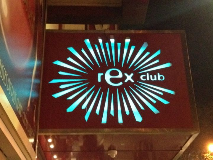 Featuring sunken dance floors and an international crowd often in search of a mood-altering experience, the Rex Club easily recalls the big techno-grunge clubs of London.