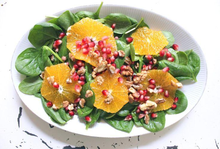 Spinatsalat mit Granatapfel und Orange - MY DAILY GREEN
