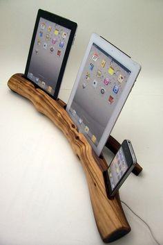 Wood IPad & IPhone Dock