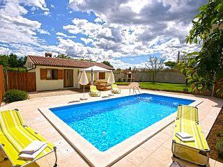 Kleines, romantisches Haus mit privatem Pool im Herzen von