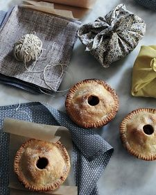 Mini Parcels of Pie | Step-by-Step | DIY Craft How To's and Instructions| Martha Stewart -- i really must do this