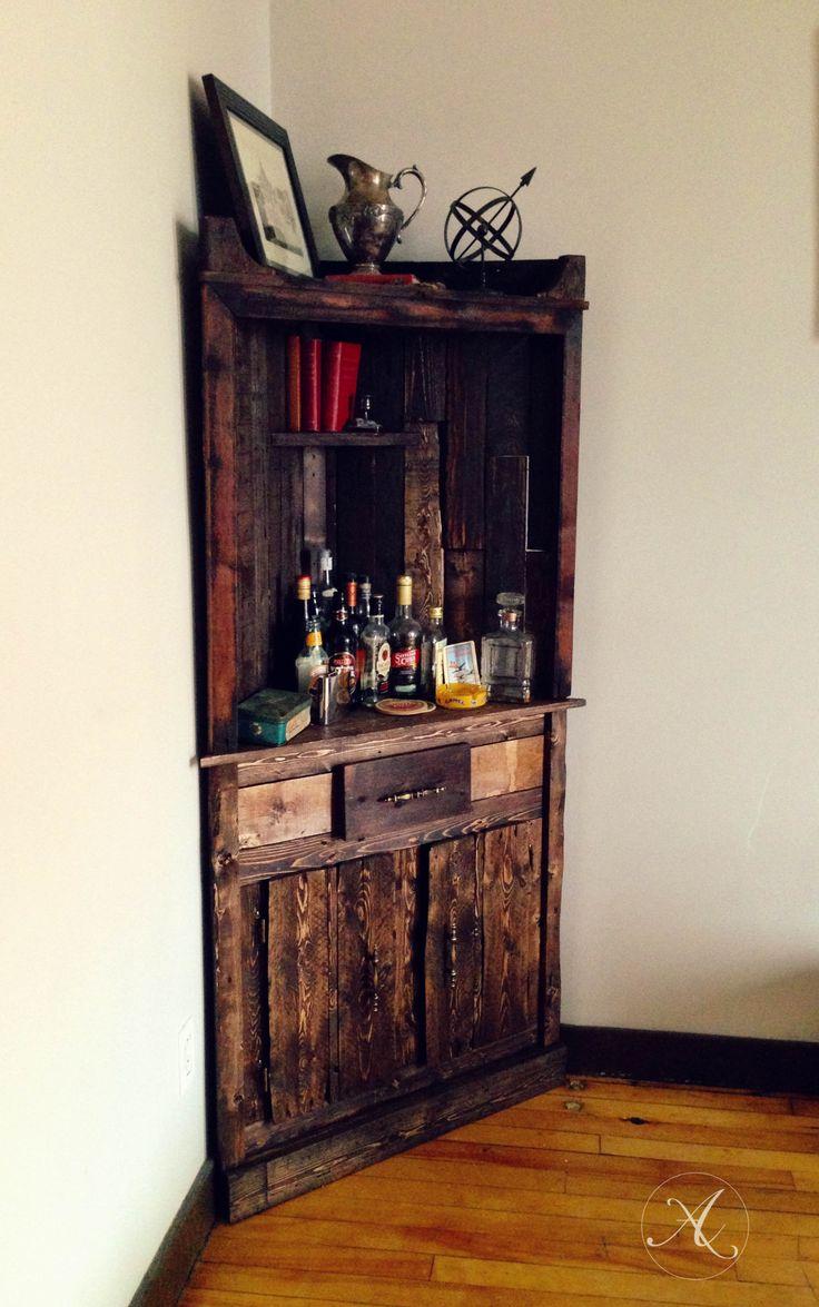 buffet bois de palette bois recycl meuble en coin. Black Bedroom Furniture Sets. Home Design Ideas