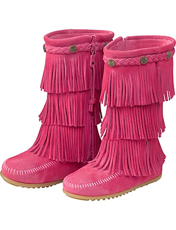 Minnetonka Fringe Boots Product Information