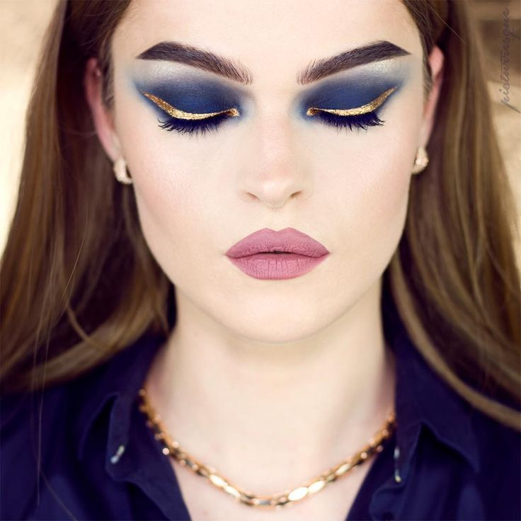 "3,508 Me gusta, 37 comentarios - •  R   E   G   I   N   A  • (@picturresque) en Instagram: ""G O L D E N  M I D N I G H T  Kiko - Gel Eyeliner Black as Base  Kryolan - Midnight  KVD - Metall…"""
