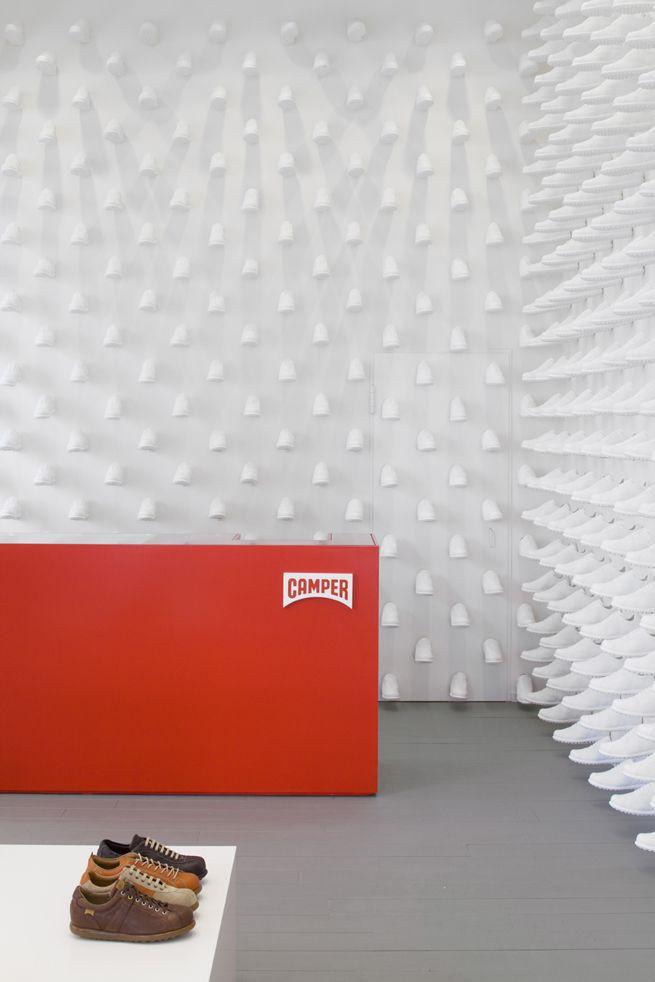 / Camper stores 2nd concept 商品としてのクツと内装材としてのクツが同居する倉庫のようなお店 for Camper