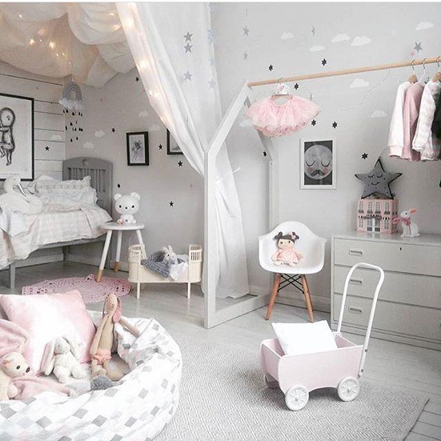 We love love ❤️ by @facklinges   #love #boysroom #gutterom #girlsroom #jenterom #interiør #inspo #barnerom #barneinteriør #barneinspo #barneromsinteriør #gravid #nyfødt #newborn #babyroom #barsel #mammaperm #mammalivet #småbarnsliv #interior #kidsinspo #kidsinterior #kidsdecor #nursery #nurserydecor #barnrum