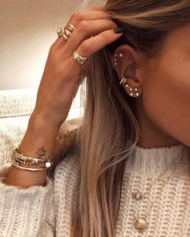 "LOGAN HOLLOWELL on Instagram: ""Cashmere & constellations 💎✨"" #cashmere … #Piercing"