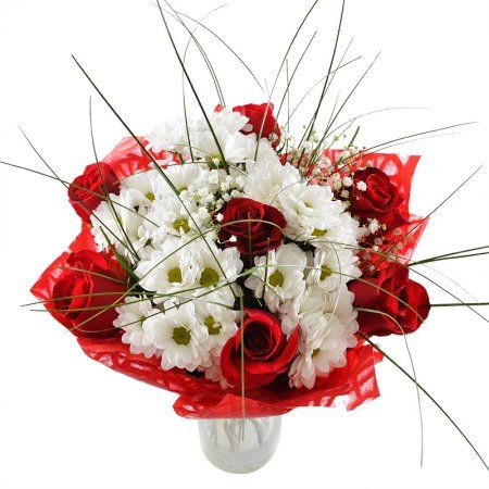 Строгий и в то же время необычный букет состоит из роз, ромашковых хризантем и звездочек гипсофилы. Красные розы задают торжественное настроение данной композиции. Такой букет можно смело преподнести бизнес-партнеру или коллеге, причем как женщине, так и мужчине.