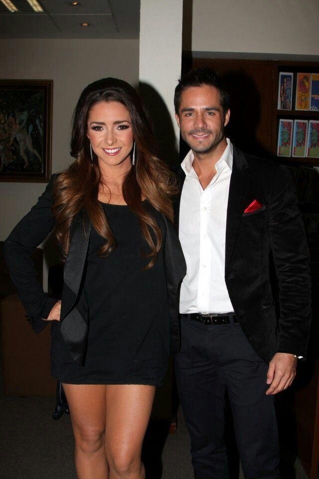 Jose Ron y Ariadne Diaz | Hispanic celebrities fashion ...