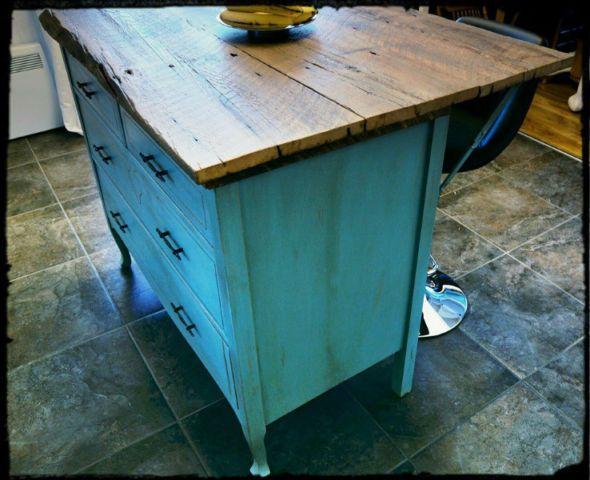 Lot en bois de grange commode tables de chevets for Kijiji longueuil meuble
