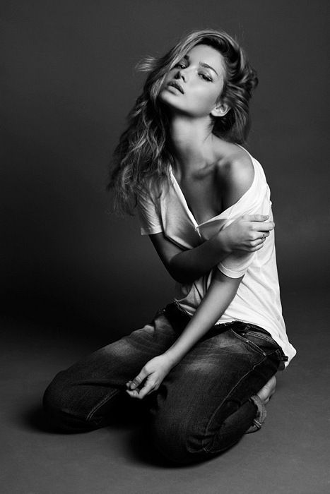 Photography poses www trendzystreet katerina smirnova a very seductive pose read more bro