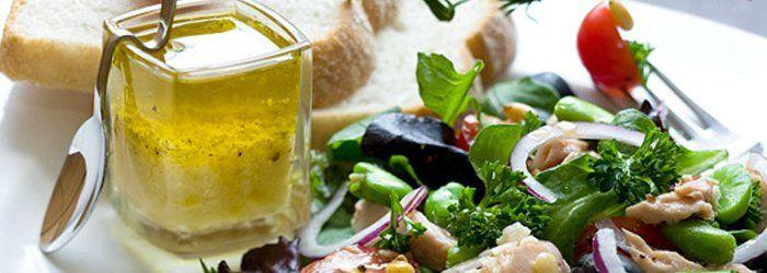 Sos francuski do sałatek Winegret z dodatkiem musztardy i octu balsamicznego.