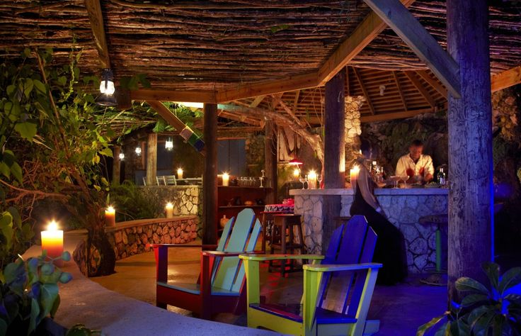 Bizot Bar at GoldenEye by night